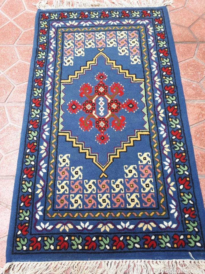 Antigüedades: Alfombra hecha a mano color azul - Foto 2 - 160360896