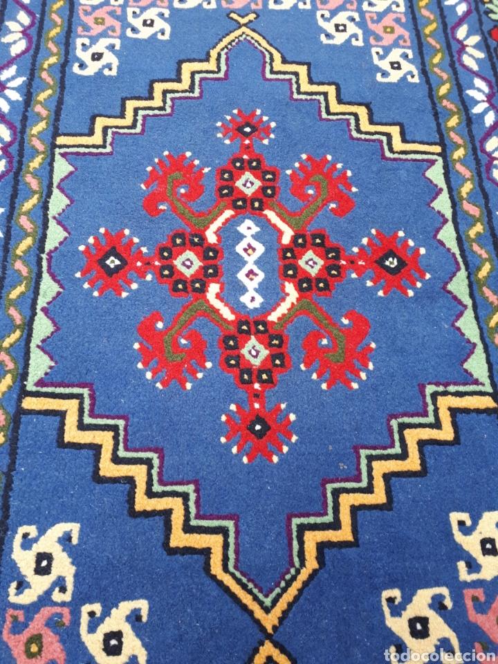 Antigüedades: Alfombra hecha a mano color azul - Foto 3 - 160360896