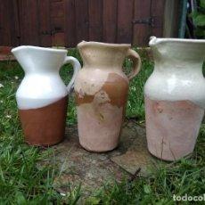 Antigüedades: LOTE TRES ANTIGUAS JARRA CHACOLI ESMALTADAS CERÁMICA VASCA AÑOS 70 - 90 PAIS VASCO BASQUE. Lote 160371386
