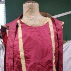 Antigüedades: CASULLA Y ESTOLA ROJA ADAMASCADA,. Lote 160381841