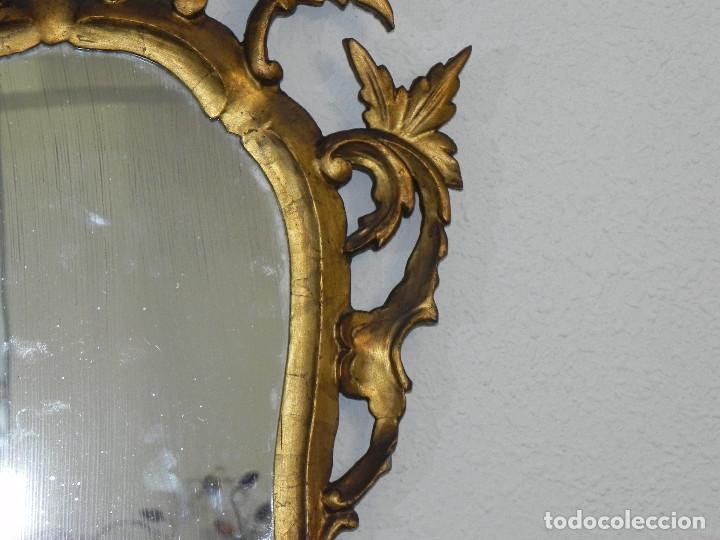 Antigüedades: ** ESPEJO CORNUCOPIA ANTIGUO EN MADERA TALLADA DORADA AL PAN DE ORO SIGLO XVIII / XIX ** - Foto 4 - 160468390