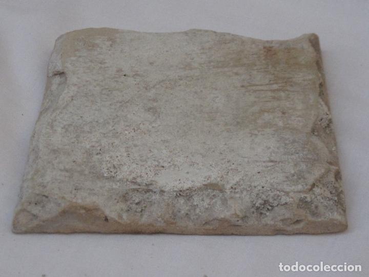 Antigüedades: AZULEJO ANTIGUO DE TALAVERA O TOLEDO - TECNICA PINTADA, LISA O PLANA. SIGLO XVI. - Foto 2 - 160488426