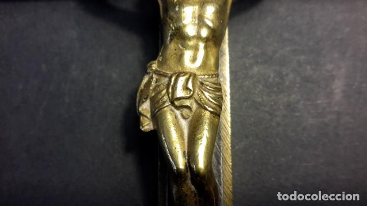 Antigüedades: Crucifijo 18 cm con Cristo y calavera, y Sagrado Corazón - Foto 9 - 160536002