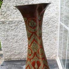 Antigüedades: JARRÓN BRONCE POLICROMADO, GRAN TAMAÑO, INDIA. Lote 160553866