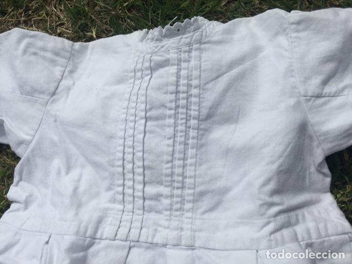 Antigüedades: Precioso vestido de bautizo o cristianar, en algodon franelado en su interior y con puntilla calada - Foto 3 - 160558518