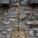 Antigüedades: LÁMPARA DE BRONCE GÓTICA, DE SOBRENESA. Lote 160559398