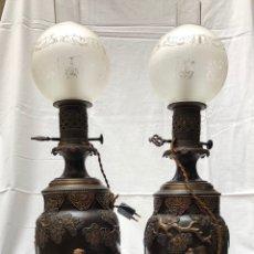 Antigüedades: PAREJA DE QUINQUÉS DE 67 CM DE BRONCE Y TERRACOTA SIGLO XIX. Lote 160563185