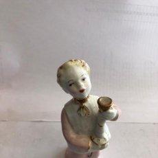Antigüedades: FIGURITA DE PORCELANA. Lote 160581454