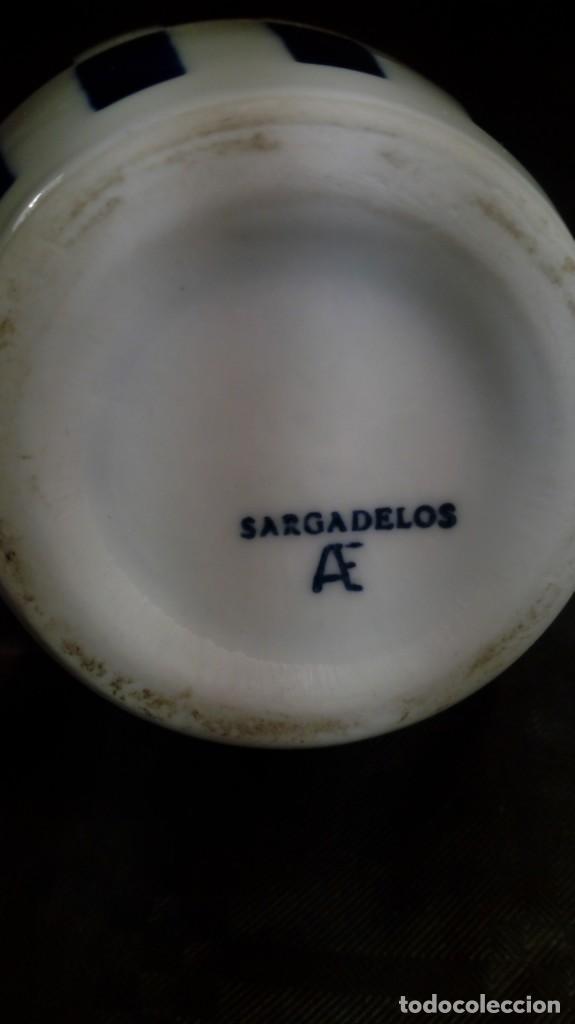 Antigüedades: FIGURA, ELEMENTO DECORATIVO (JARRITA). EN PORCELANA SARGADELOS. MARCAS EN PARTE INFERIOR. - Foto 3 - 172464055