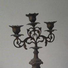 Antigüedades: ANTIGUO CANDELABRO DE BRONCE, 37 CM. Lote 160590002