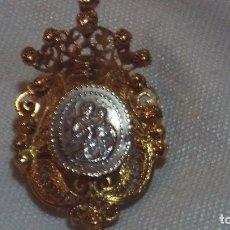 Antigüedades: RELICARIO EN FILIGRANA DE PLATA DORADA SIGLO XIX. Lote 160591510