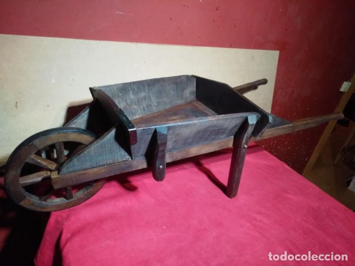 CARRETILLA DE MADERA DE UNA RUEDA IDEAL TIENDAS Y FLORISTERIAS 110 CM DE LONGITUD (Antigüedades - Técnicas - Rústicas - Utensilios del Hogar)