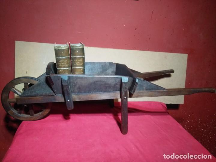 Antigüedades: CARRETILLA DE MADERA DE UNA RUEDA IDEAL TIENDAS Y FLORISTERIAS 110 CM DE LONGITUD - Foto 2 - 160634010