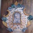 Antigüedades: BENDITERA PINTADA A MANO. Lote 160666710