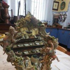 Antigüedades: ESPEJO SOBREMESA MEISSEN DE PRIMERA ÉPOCA CRISTAL BISELADO. Lote 160667070