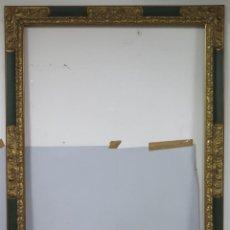 Antigüedades: ANTIGUO MARCO DE MADERA TALLADA Y DORADA. SIGUIENDO MODELOS SIGLO XVII. GRANDE. Lote 160720918