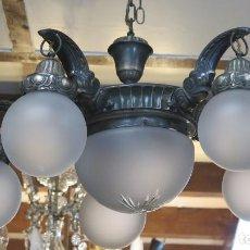 Antigüedades: BONITA LAMPARA MODERNISTA PLATEADA Y TULIPAS DE CRISTAL. PPIOS. SIGLO XX. Lote 199480462