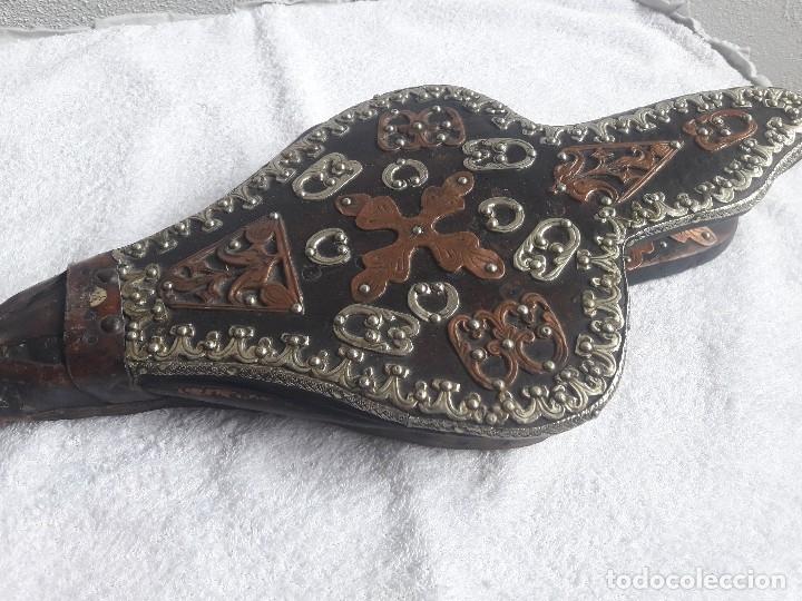 Antigüedades: Antiguo fuelle madera cuero cobre y latón - Foto 4 - 160742442