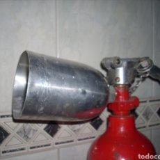 Antiguidades: ANTIGUO EXTINTOR ,DE CO2 , GRANDE. Lote 160751284