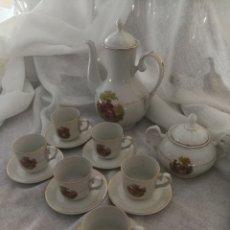 Antigüedades: JUEGO DE CAFE DE PORCELANA SELLADO CIFPLA GIJON.. Lote 160777052