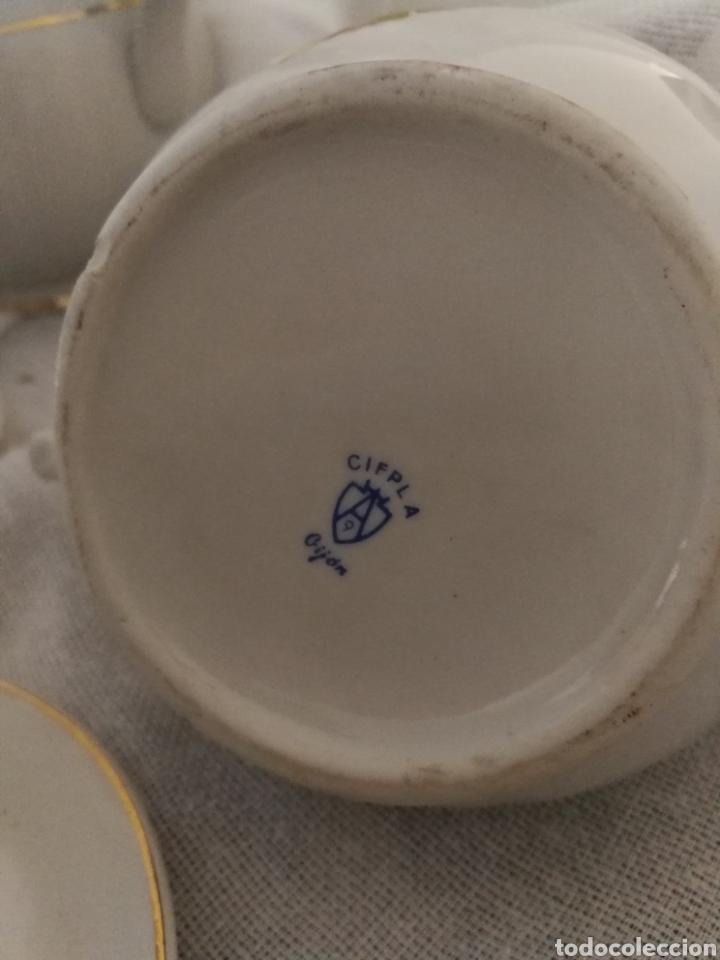 Antigüedades: JUEGO DE CAFE DE PORCELANA SELLADO CIFPLA GIJON. - Foto 5 - 160777052