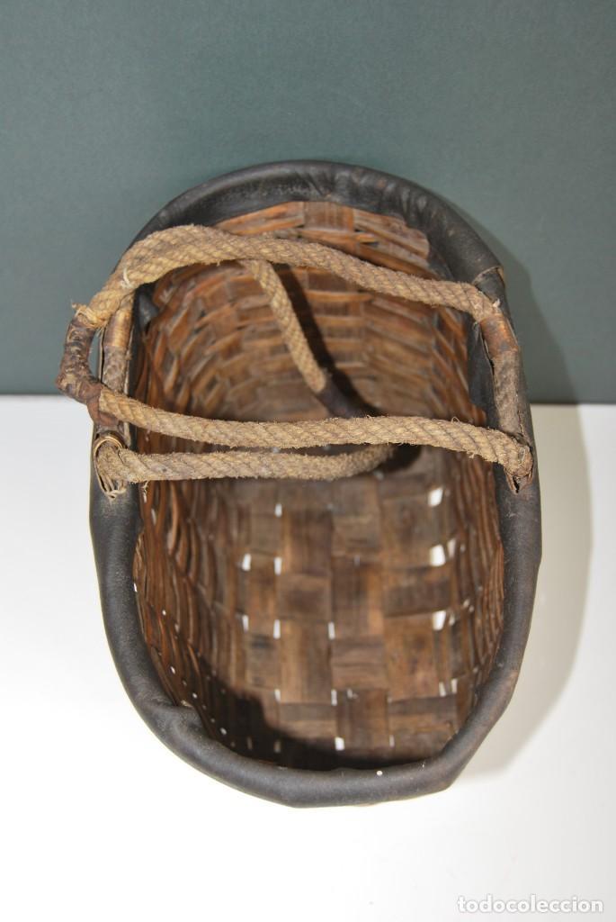 Antigüedades: ANTIGUA CESTA DE MADERA TRENZADA- ASAS DE CUERDA - CESTO - Foto 10 - 160792370
