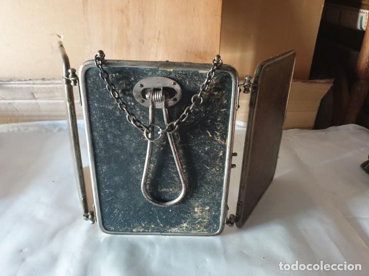Antigüedades: TRIPLE ESPEJO PLATA Y PIEL DE TOCADOR - Foto 10 - 160850574