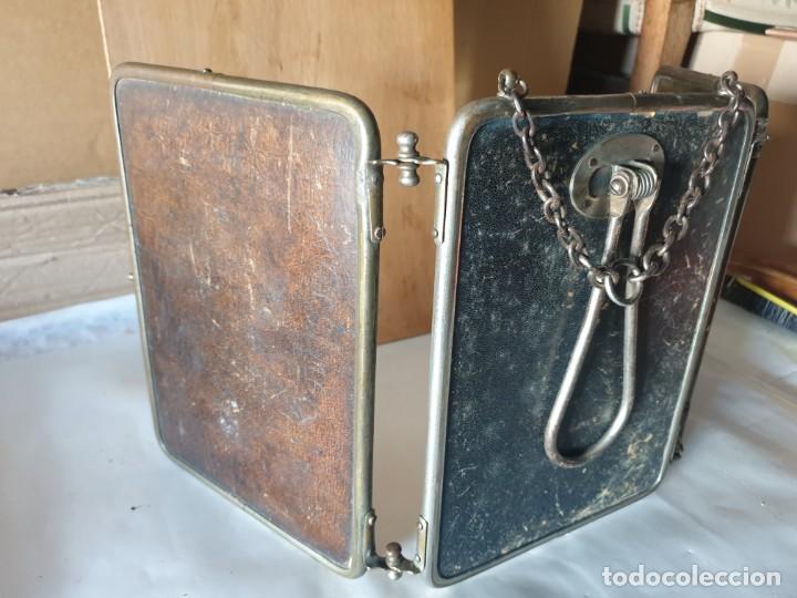 Antigüedades: TRIPLE ESPEJO PLATA Y PIEL DE TOCADOR - Foto 14 - 160850574