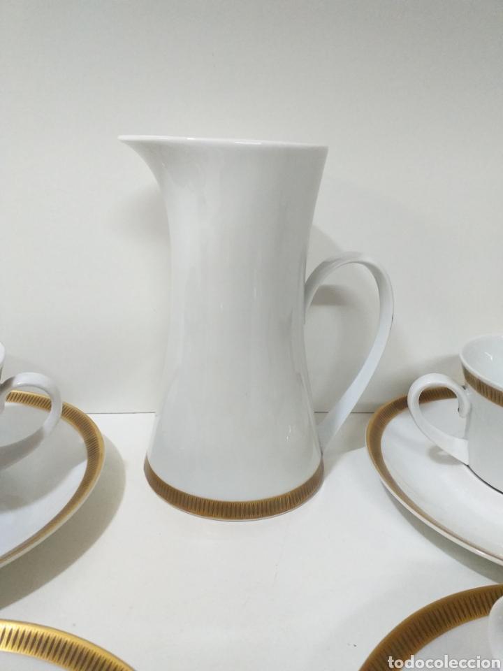 Antigüedades: juego de 6 servicios de cafe consomé mas lechera de porcelana de la marca Bidasoa - Foto 3 - 160873742