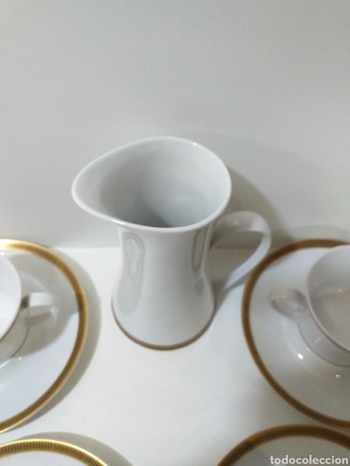Antigüedades: juego de 6 servicios de cafe consomé mas lechera de porcelana de la marca Bidasoa - Foto 4 - 160873742