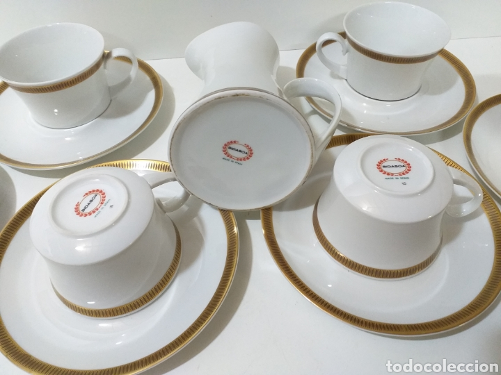 Antigüedades: juego de 6 servicios de cafe consomé mas lechera de porcelana de la marca Bidasoa - Foto 5 - 160873742