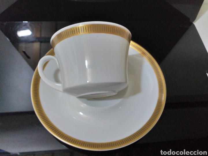 Antigüedades: juego de 6 servicios de cafe consomé mas lechera de porcelana de la marca Bidasoa - Foto 10 - 160873742