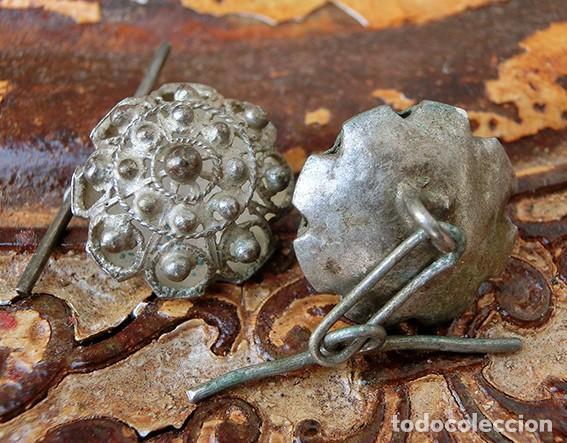 Antigüedades: ANTIGUA Y PRECIOSA PAREJA DE GEMELOS CHARROS - PLATA CALADA - SALAMANCA - ARTESANALES - ORFEBRERÍA - Foto 2 - 160873750