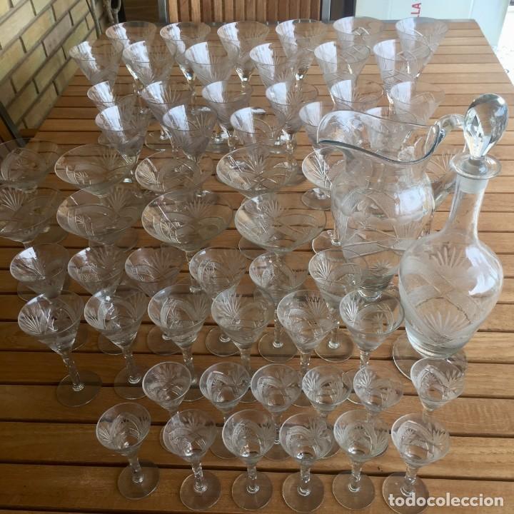 Antigüedades: Antigua Cristalería tallada 57 piezas + jarra y botella - Foto 2 - 160880710