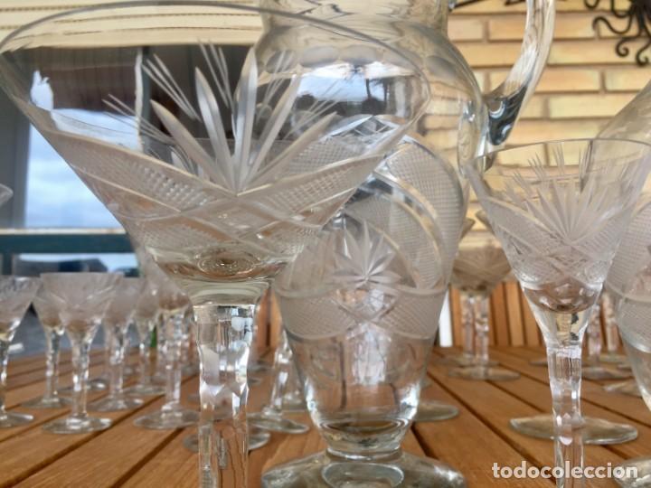 Antigüedades: Antigua Cristalería tallada 57 piezas + jarra y botella - Foto 5 - 160880710