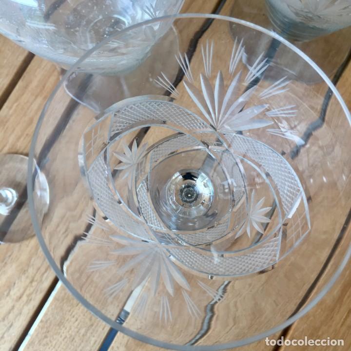 Antigüedades: Antigua Cristalería tallada 57 piezas + jarra y botella - Foto 9 - 160880710