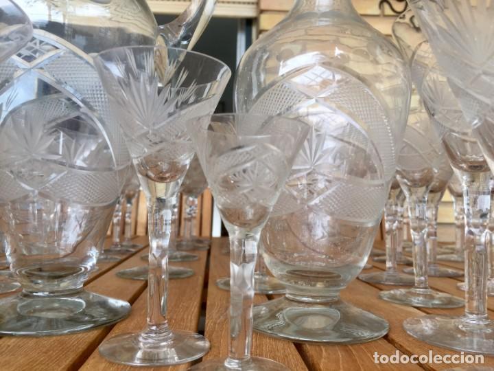 Antigüedades: Antigua Cristalería tallada 57 piezas + jarra y botella - Foto 10 - 160880710