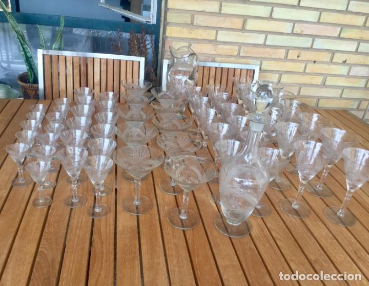 Antigüedades: Antigua Cristalería tallada 57 piezas + jarra y botella - Foto 19 - 160880710