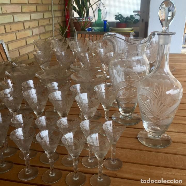 Antigüedades: Antigua Cristalería tallada 57 piezas + jarra y botella - Foto 27 - 160880710