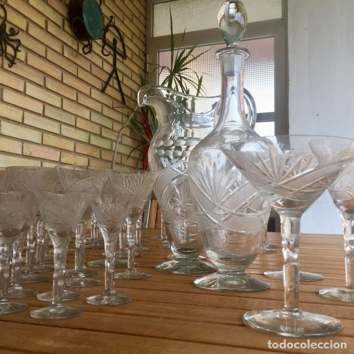 Antigüedades: Antigua Cristalería tallada 57 piezas + jarra y botella - Foto 14 - 160880710