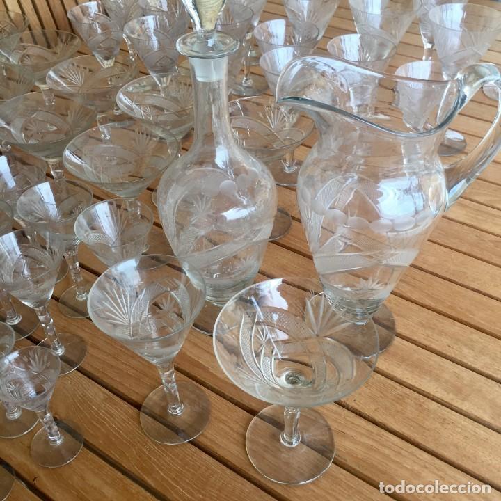 Antigüedades: Antigua Cristalería tallada 57 piezas + jarra y botella - Foto 15 - 160880710