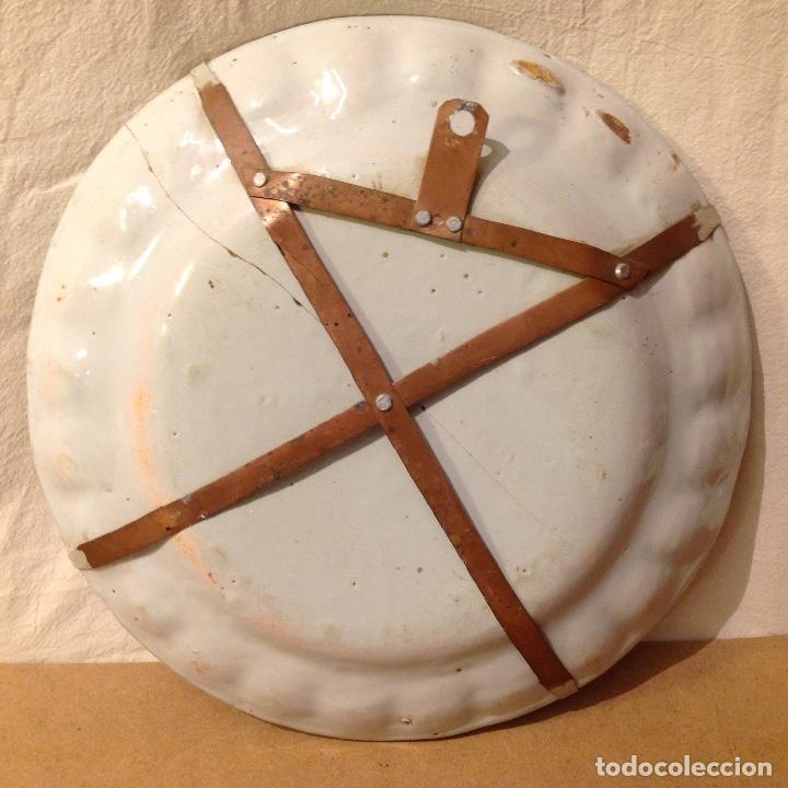 Antigüedades: Plato en cerámica de Alcora, s. XVIII - Foto 4 - 160894194
