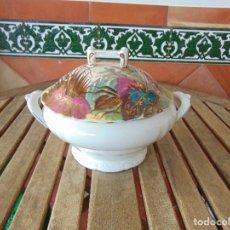 Antigüedades: SOPERA O SIMILAR DECORADA, SELLADA PONTESA ROYAL CHINA. Lote 160929202