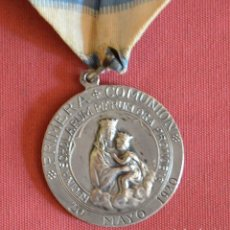 Antigüedades: MEDALLA DE PLATA DE PRIMERA COMUNION - 20 MAYO 1920 . Lote 160953070