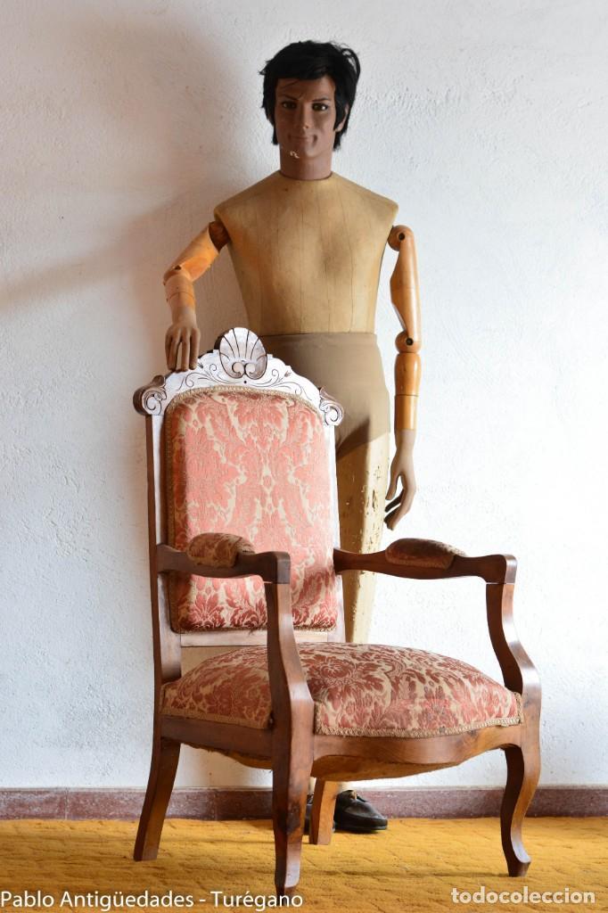 BUTACA O SILLA LUIS XV EN MADERA CON BONITA TALLA - TAPIZADO EN MOTIVOS VEGETALES - SILLA ISABELINA (Antigüedades - Muebles Antiguos - Sillones Antiguos)