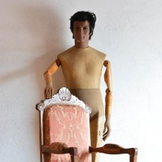 Antigüedades: BUTACA O SILLA LUIS XV EN MADERA CON BONITA TALLA - TAPIZADO EN MOTIVOS VEGETALES - SILLA ISABELINA. Lote 160976478