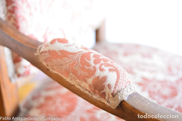 Antigüedades: Butaca o silla Luis XV en madera de nogal tallado - Tapizado en motivos vegetales - Silla Isabelina - Foto 5 - 160976478