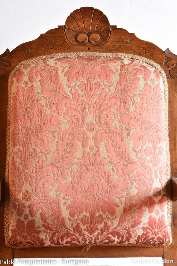Antigüedades: Butaca o silla Luis XV en madera de nogal tallado - Tapizado en motivos vegetales - Silla Isabelina - Foto 10 - 160976478