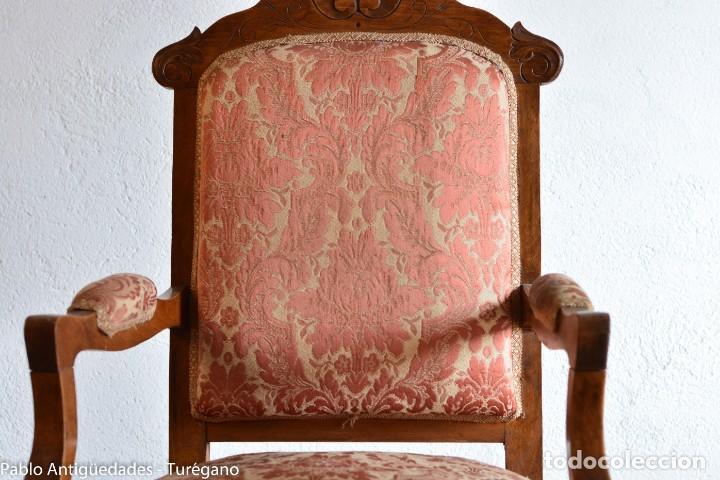 Antigüedades: Butaca o silla Luis XV en madera de nogal tallado - Tapizado en motivos vegetales - Silla Isabelina - Foto 11 - 160976478