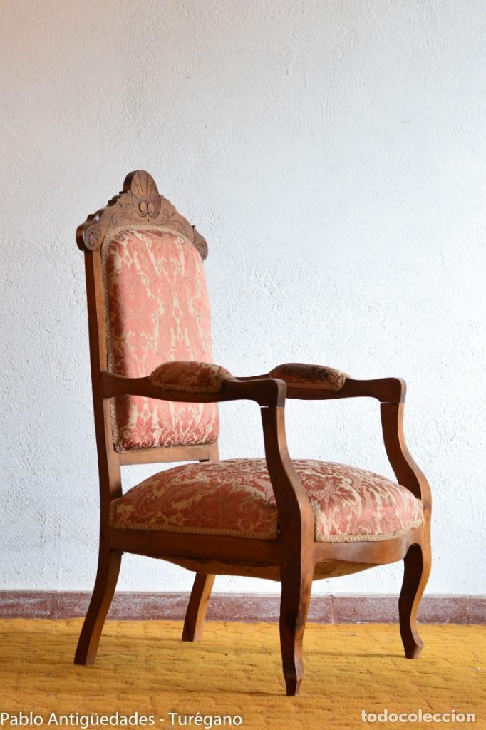 Antigüedades: Butaca o silla Luis XV en madera de nogal tallado - Tapizado en motivos vegetales - Silla Isabelina - Foto 12 - 160976478
